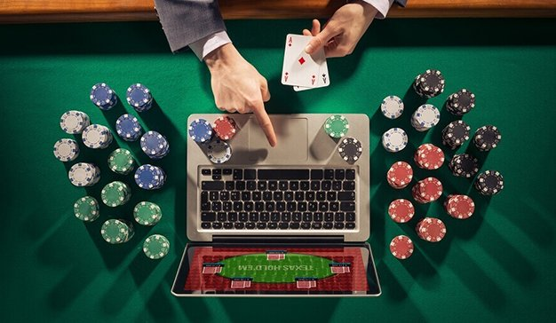 What are the Differences Between Poker Variants